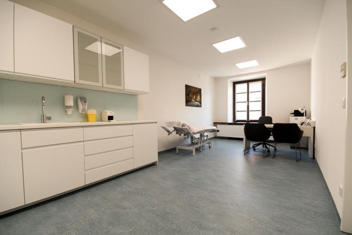 Behandlungsraum im Therapiezentrum beim Schloss