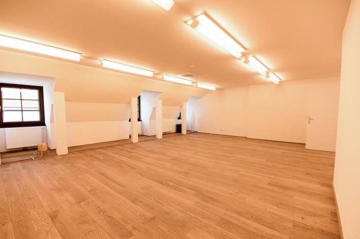 Yogastudio - grosser Bewegungsraum im TZ-Schloss